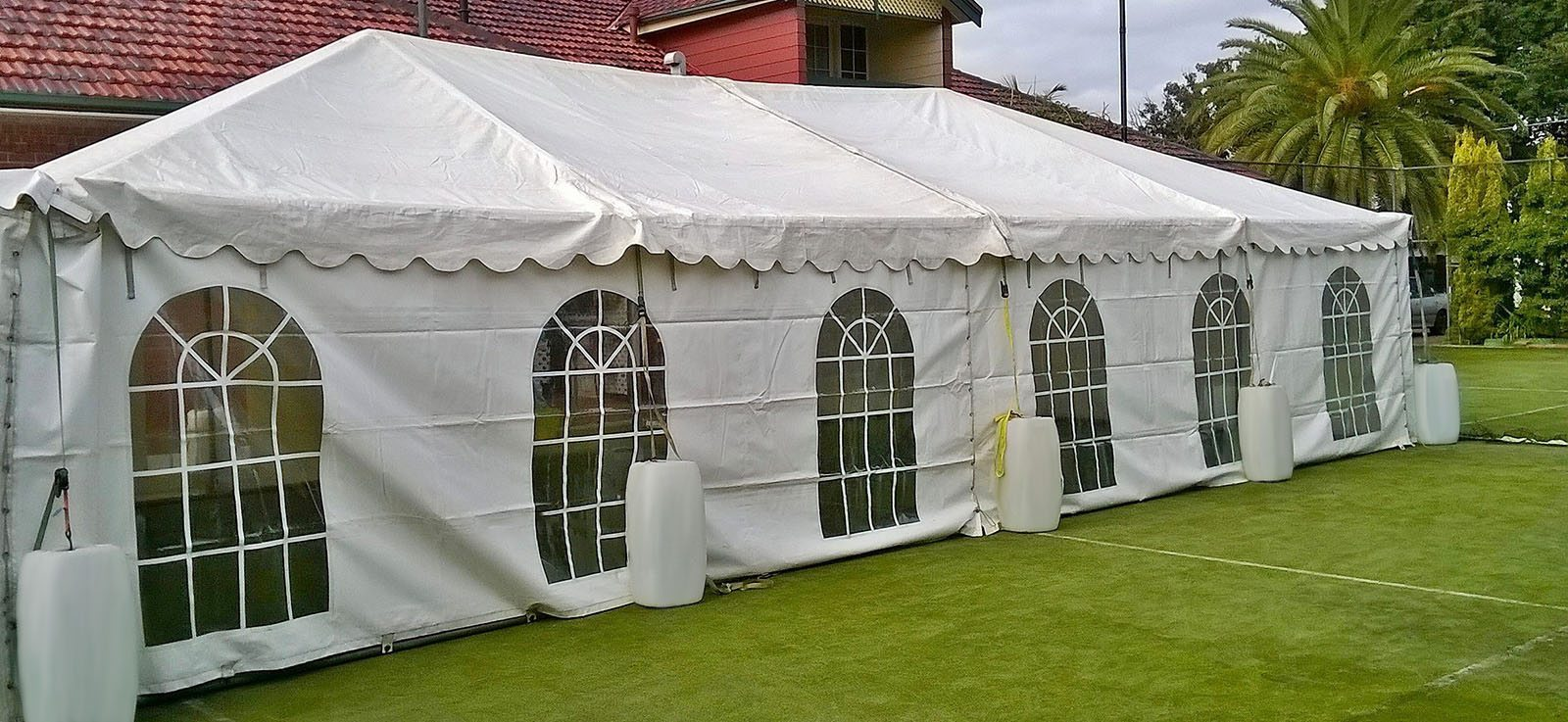 American Tent & Sidewall – Looking for tent hire in the USA, check out the products offered by this manufacturer of party tents and sidewalls.