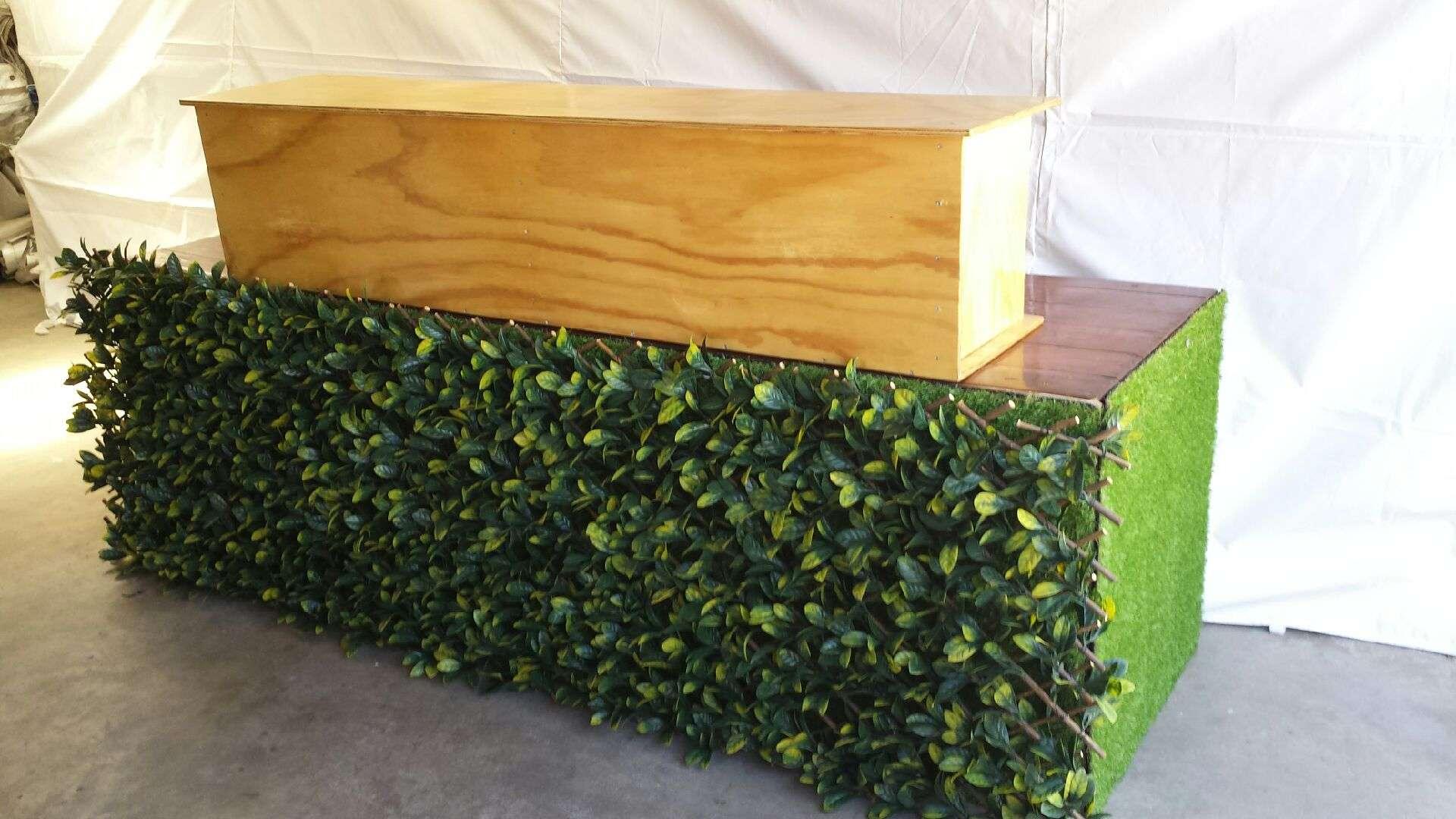 Hedge Bar Hire